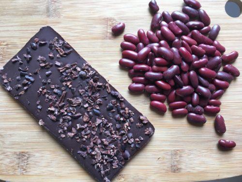 Ingrédients pour la mousse au chocolat à l'eau de haricots rouges